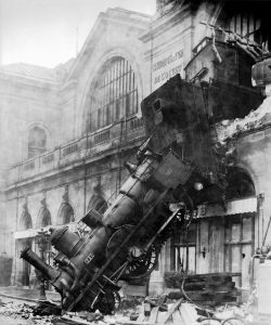 Train Wreck Accident Railway Station  - WikiImages / Pixabay